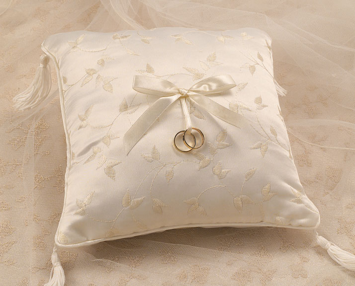Elegance Collection Ring Pillow White or Ivory